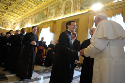 Pope Benedict greets new ambassadors